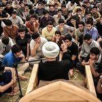 جوان با مسجد انس پیدا کند