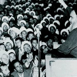 مسجد محور انقلاب بود